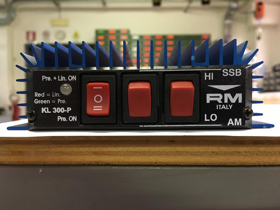 RM Italy KL 300P HF Linear Amplifier - Click Image to Close